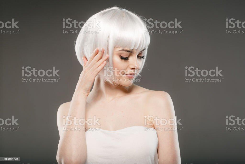 Kurze Blonde Haare Frau Platin Bob Frisur Stockfoto Und Mehr Bilder