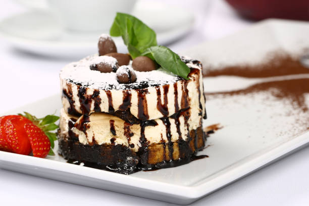 Shortcake with Chocolate Sauce - fotografia de stock