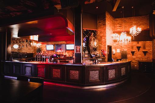 Shot Of A Nightclub With No One Inside - zdjęcia stockowe i więcej obrazów Alkohol - napój