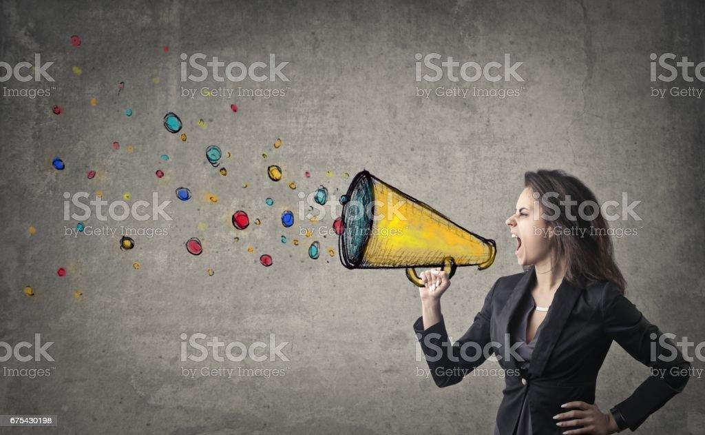 Bir megafon ile bağırarak royalty-free stock photo