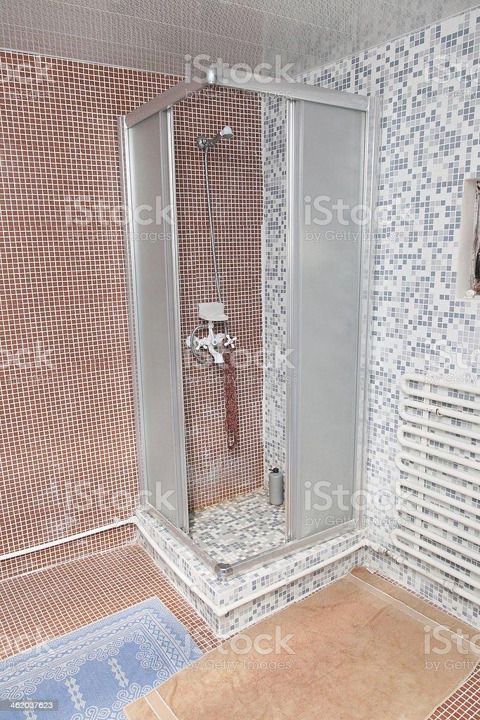 Chuveiro interior da cabine - foto de acervo