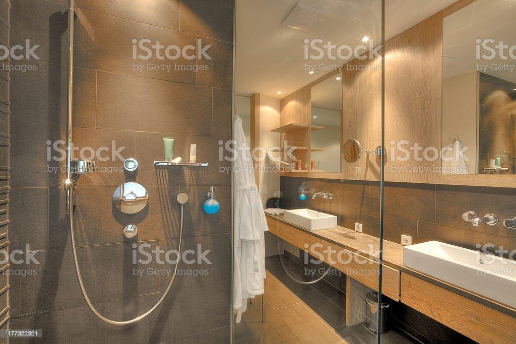 Dusche In Ein Schönes Badezimmer Stockfoto und mehr Bilder ...
