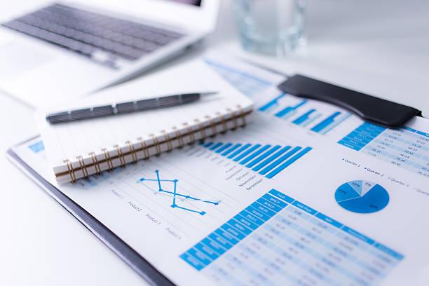 Mit geschäftliche und finanzielle Bericht.   Buchhaltung – Foto