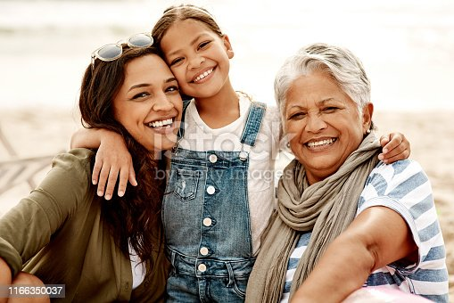 istock Showing her the value of family and sisterhood in life 1166350037
