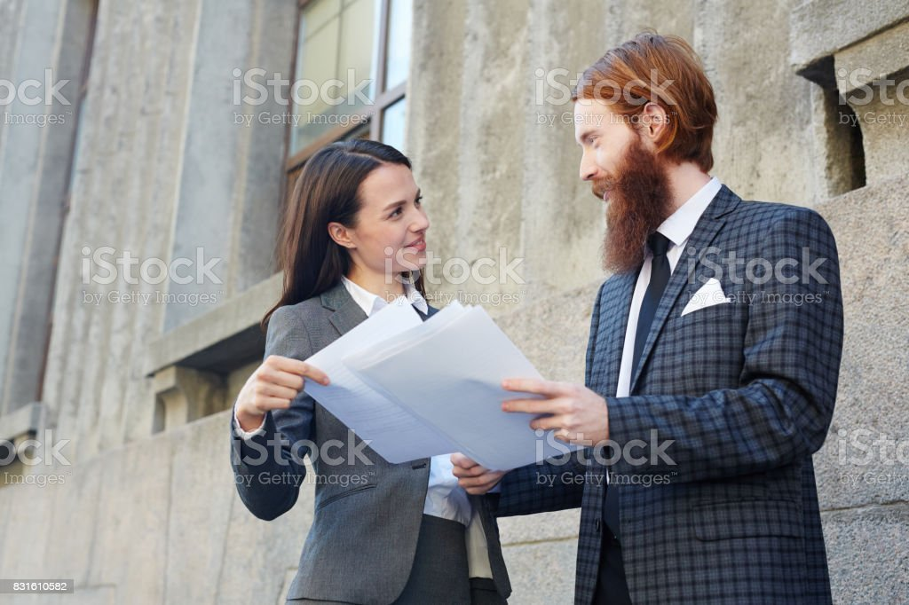 Showing new contract stock photo