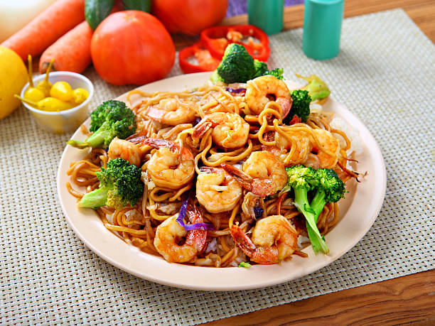 Shrimp Chow mein Chinese Style Noodle - Shrimp & Broccoli Chow mein mongolian culture stock pictures, royalty-free photos & images
