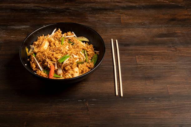 karides kızarmış pirinç Thai carryout gıda stok fotoğrafı