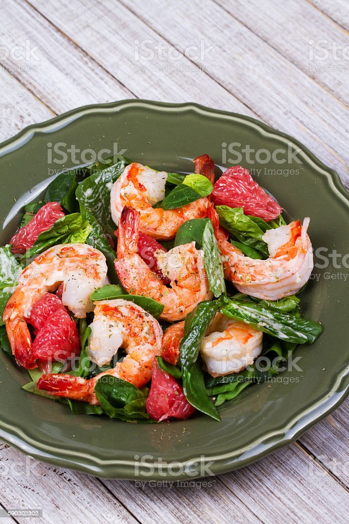 Shrimp, grapefruit and spinach salad royaltyfri bildbanksbilder