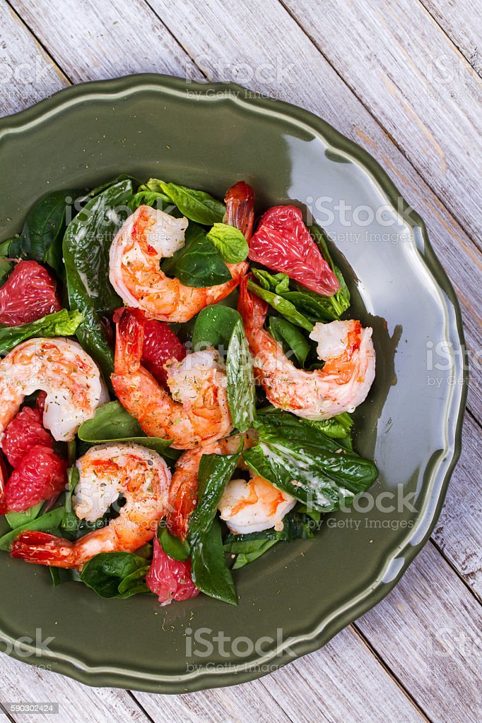Shrimp, grapefruit and spinach salad royaltyfri bildbanksbilder