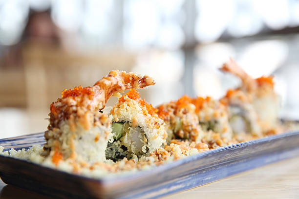 shrimp tempura maki sushi japanese food - tempura imagens e fotografias de stock
