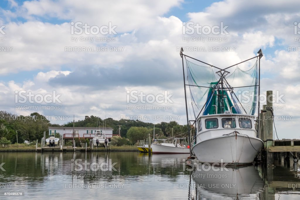 Shrimp Trawler Harkers Island Nc Stock Photo & More Pictures of Cloud - Sky | iStock