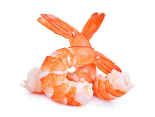 camarones aisladas sobre fondo blanco - comida cruda fotografías e imágenes de stock