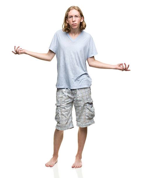 achselzucken junger mann - geek t shirts stock-fotos und bilder