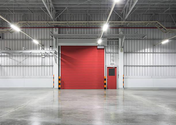 shutter_door - garagentor mit tür stock-fotos und bilder