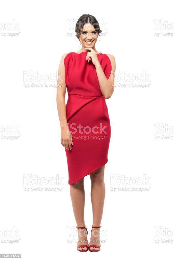 Fotografía de Tímido Tímida Joven Vestido Elegante Rojo Sonriendo A ...