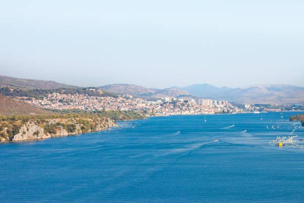 Sibenik, Kroatien - Blick von der Sibenski Most Brücke in Richtung Sibenik – Foto