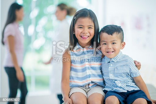 826880918 istock photo Siblings 826880922