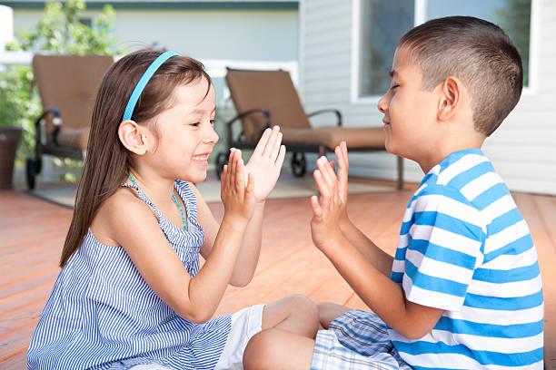 siblings and play