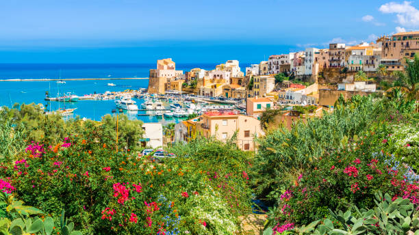 Sicilian port of Castellammare del Golfo, amazing coastal village of Sicily island, province of Trapani, Italy Sicilian port of Castellammare del Golfo, amazing coastal village of Sicily island, province of Trapani, Italy sicily stock pictures, royalty-free photos & images