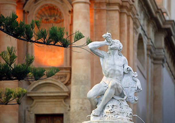 sicily - noto sicilië stockfoto's en -beelden