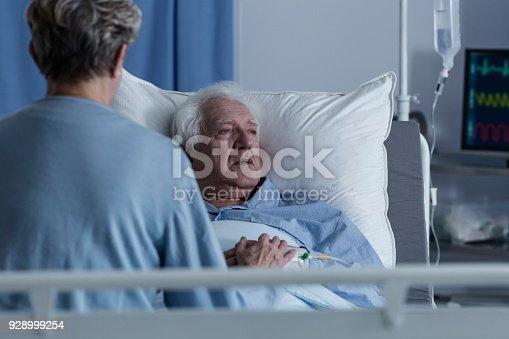 909569706istockphoto Sick senior man with alzheimer 928999254