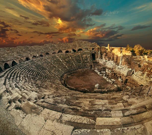 Lado antiguo anfiteatro ojo de pez vista superior - foto de stock