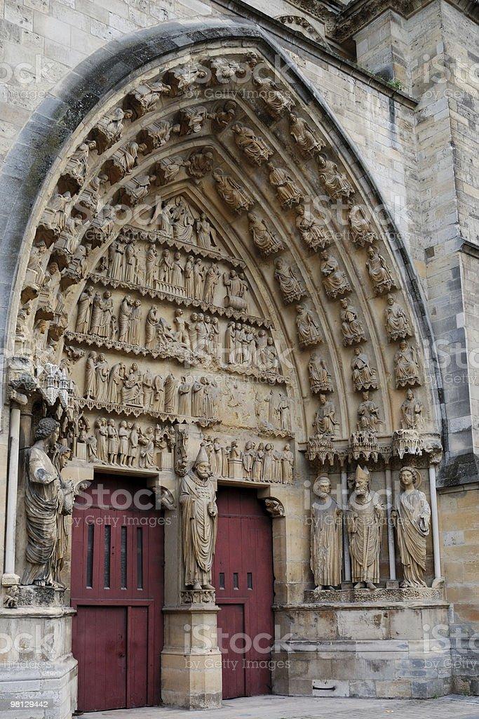 Lato ingresso della Cattedrale di Reims foto stock royalty-free