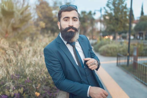 side view lång-skägg business man porträtt - profile photo bildbanksfoton och bilder
