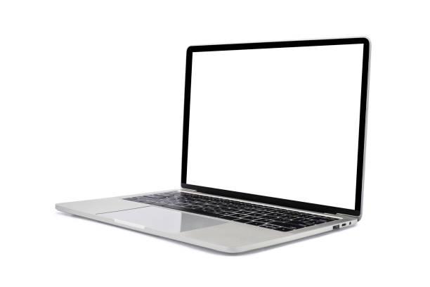 widok z boku otwartego komputera przenośnego. nowoczesna cienka krawędź smukła konstrukcja. pusty biały ekran do makiety i szary metalowy materiał aluminiowy korpus izolowany na białym tle ze ścieżką przycinania. - laptop zdjęcia i obrazy z banku zdjęć