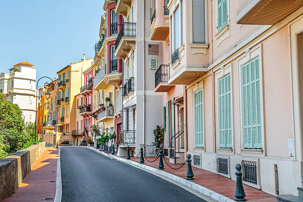 Sidewalk along apartments in Monaco – Foto