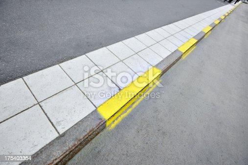 Yellow road markings