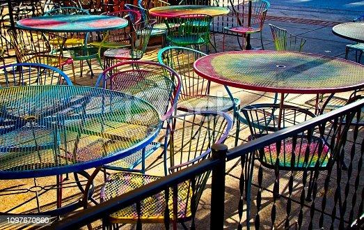 istock Sidewalk cafe 1097670860