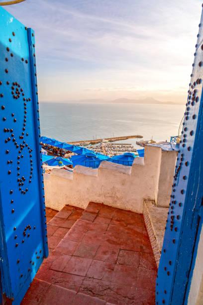 sidi bou said, tunesien - urlaub in tunesien stock-fotos und bilder