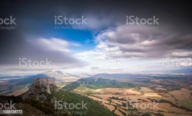 Sierra de la demanda mountain views over the countryside vineyards picture id1033736772?b=1&k=6&m=1033736772&s=612x612&h=iu iqf8ha7esugzmy2wahgbasalhisae1qvebj3on3w=