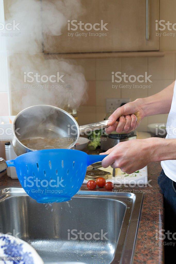 Espagueti Tamizado Agua De Preparado A Su Gusto Foto De