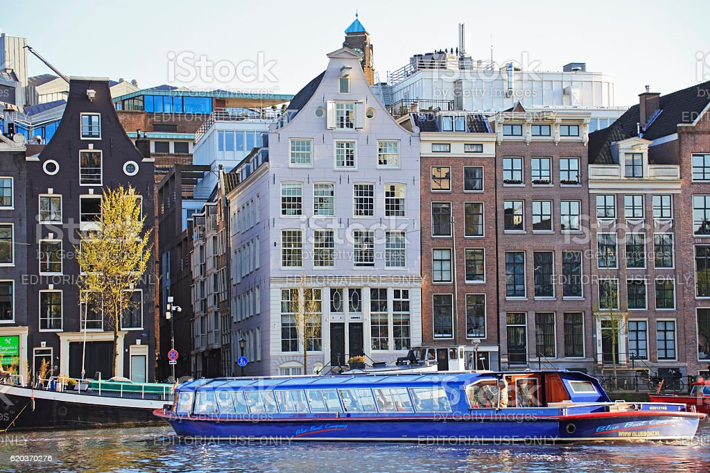 Sightseeing boat in Amsterdam, Netherlands foto de stock royalty-free