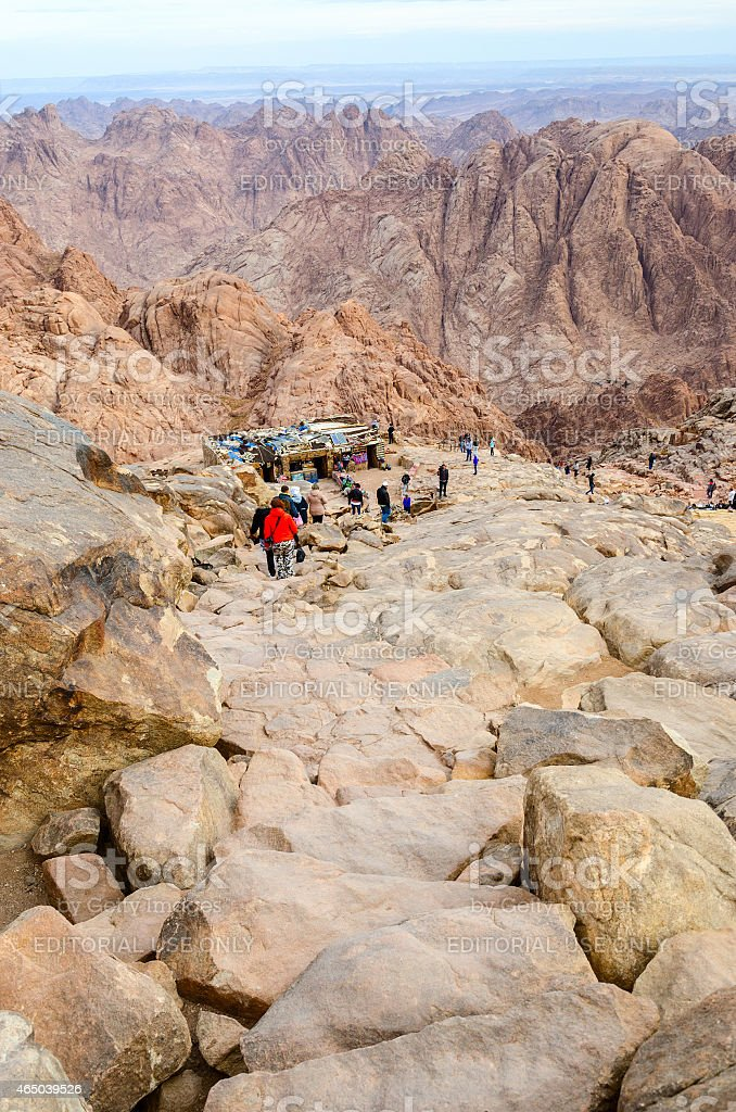 Sightseers go down long trail from top of Mount Moses stock photo