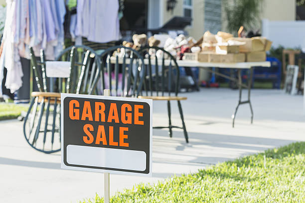 Sign at a garage sale - Photo