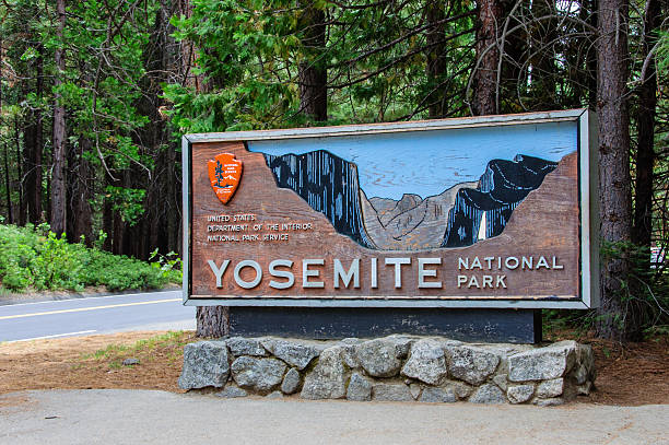 Sign at the entrance to Yosemite National Park – Foto