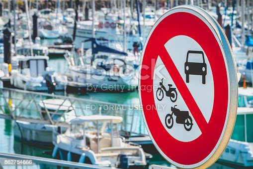 istock sign banned access to cars, motorcycles and mopeds 862754666