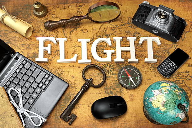 sich flug, laptop, schlüssel, globus kompass, smartphone, kamera, schreiben, - sprüche über reisen stock-fotos und bilder