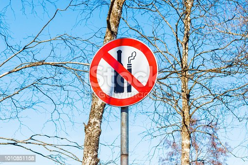 istock Sign not to drink alcohol and do not smoke 1010851158