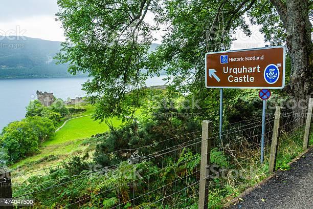 Sign to urquhart castle picture id474047500?b=1&k=6&m=474047500&s=612x612&h=dl1lf1tibvlandfsxebq9p6nzp9eetmkzot9lvzkzyy=