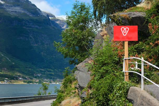 Sign with airbnb logo on the coastal road along the hardanger fjord picture id1072542800?b=1&k=6&m=1072542800&s=612x612&w=0&h=wrjy2n4uenrulnpb9jw3hnz mef2kg2cpmi cfjoy1o=