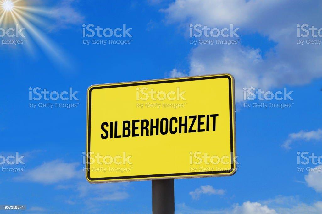 Ein Schild mit dem Hinweis auf eine Silberhochzeit stock photo