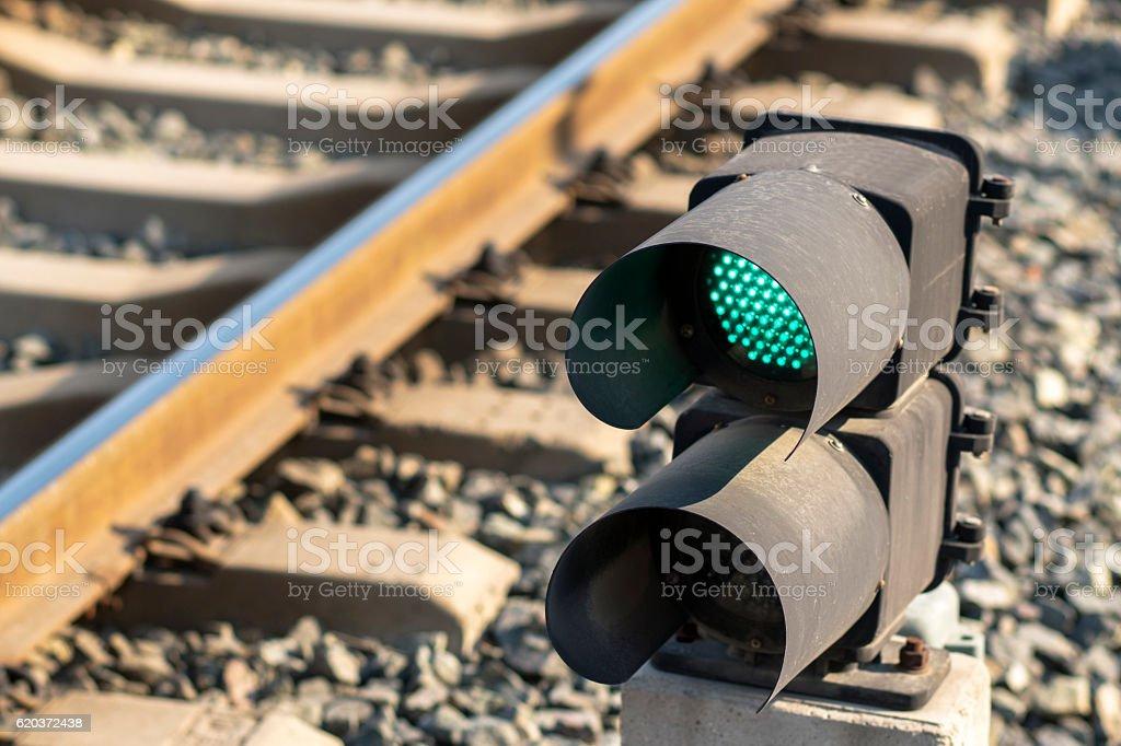 signal light beside railway zbiór zdjęć royalty-free