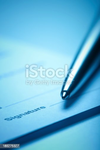 istock Signature 185275327