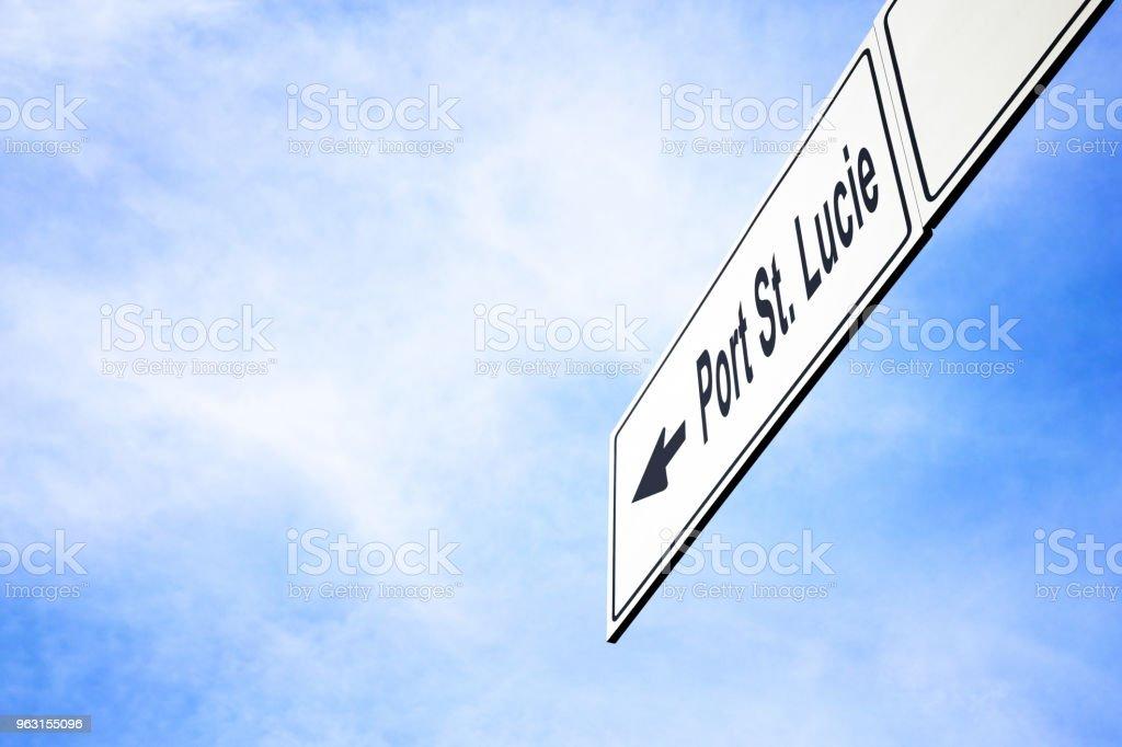 Schild In Richtung Port St Lucie Stockfoto und mehr Bilder von ...