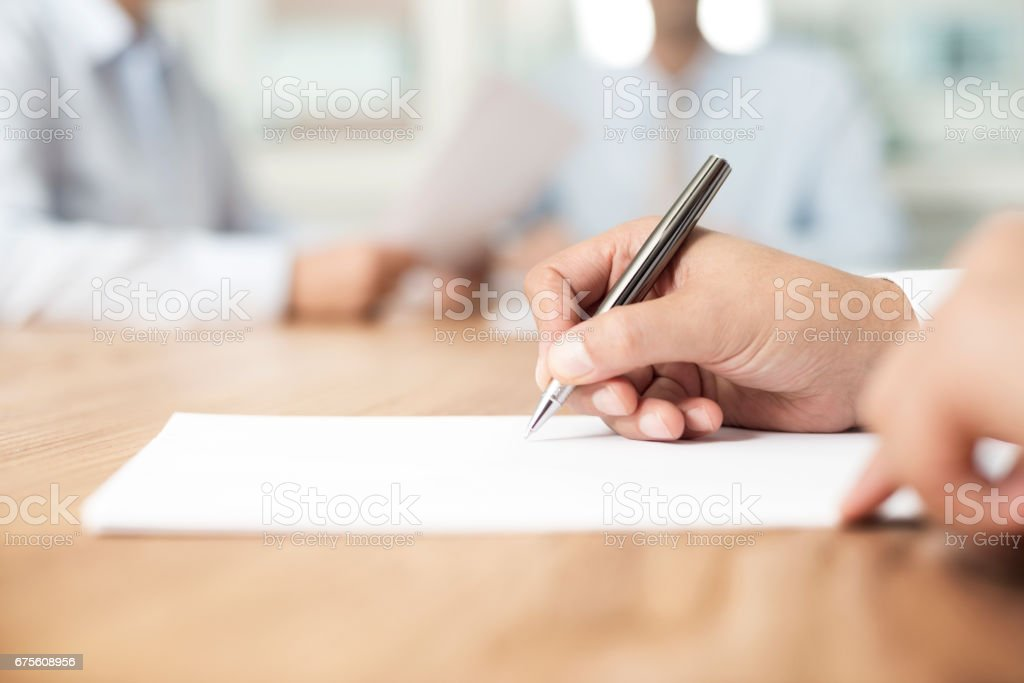 Signing Agreement - foto de acervo