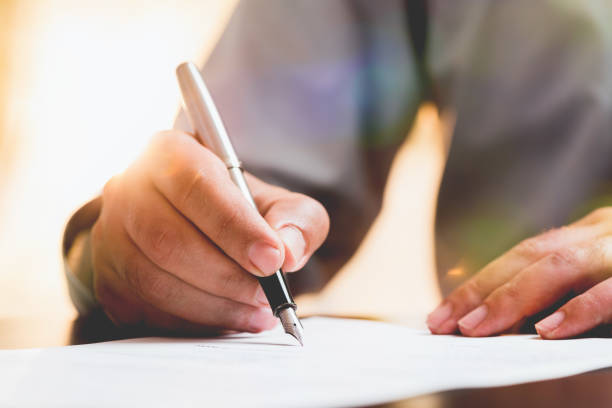 Offizielles Dokument signieren – Foto